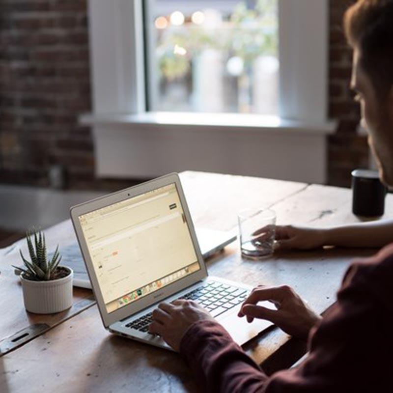 HOME OFFICE: 5 dicas para quem está começando ou busca melhorar sua produtividade!